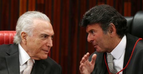 Placeholder - loading - Imagem da notícia Em acordo entre Planalto e STF, Temer sanciona reajuste de ministros e Fux revoga auxílio-moradia