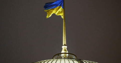 Placeholder - loading - Imagem da notícia Ucrânia fala de ameaça de invasão russa e impõe lei marcial