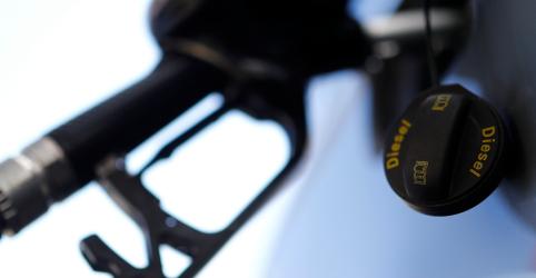Placeholder - loading - Imagem da notícia Diesel da Petrobras cai 15,3%, tem menor valor desde março