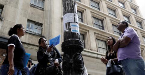 Desemprego no Brasil cai a 11,7% no tri até outubro com ajuda de eleições, diz IBGE