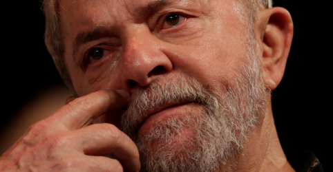 Placeholder - loading - Imagem da notícia Marco Aurélio determina soltura de condenados em 2ª instância, em decisão que pode beneficiar Lula