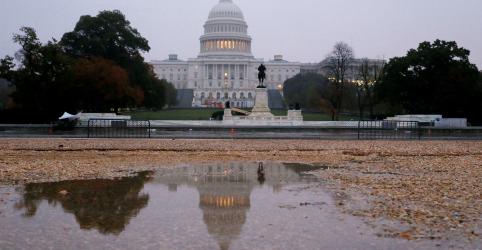 Placeholder - loading - Imagem da notícia Senado dos EUA aprova texto orçamentário sem financiamento para muro de fronteira