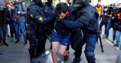 Placeholder - loading - Polícia espanhola prende manifestantes catalães durante visita de premiê