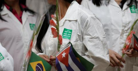 Placeholder - loading - Imagem da notícia Quase todos os médicos cubanos no Brasil já voltaram, diz presidente Díaz-Canel