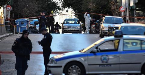 Placeholder - loading - Imagem da notícia Dispositivo explosivo é detonado perto de igreja e deixa 2 feridos em Atenas