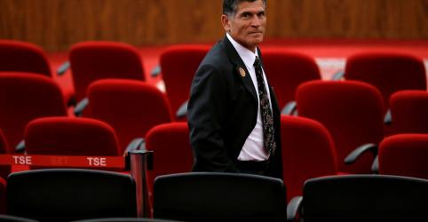 Placeholder - loading - Imagem da notícia Santos Cruz diz que caso Queiroz pode ter reflexo no governo, mas é preciso separar as coisas