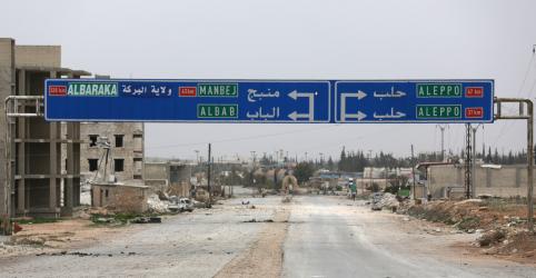 Placeholder - loading - Imagem da notícia Exército da Síria reage a alerta de curdos sobre avanço turco no noroeste