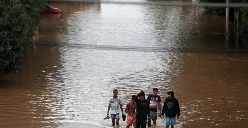 Placeholder - loading - Fortes chuvas deixam ao menos 11 mortos na região metropolitana de SP