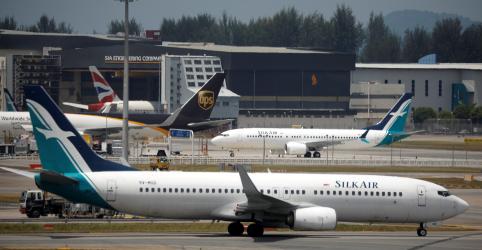 Placeholder - loading - Imagem da notícia Mais países suspendem operações com de Boeing 737 MAX após acidente na Etiópia
