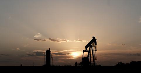 Preços do petróleo saltam quase 15% em sessão com volume recorde após ataques à Arábia Saudita