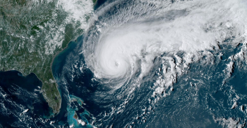 Furacão Humberto avança sobre Bermudas; tempestade Imelda leva chuvas a Houston