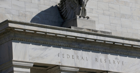 Placeholder - loading - Imagem da notícia Por placar de 7 a 3, Fed corta juros em 0,25 p.p. e dá sinais mistos sobre próximo passo