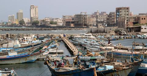 Coalizão liderada pela Arábia Saudita realiza operação militar ao norte de Hodeida, no Iêmen