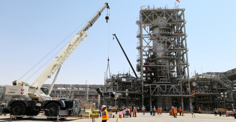 Arábia Saudita troca graus de petróleo e adia fornecimento a compradores na Ásia
