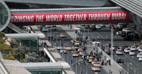 Dois voos são desviados de Dubai devido à suspeita de drones
