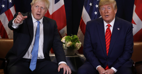 Placeholder - loading - Ele não vai a lugar nenhum, diz Trump sobre se premiê britânico deveria renunciar