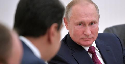 Placeholder - loading - Imagem da notícia Putin diz a Maduro que defende negociação na Venezuela rejeitada por líder de oposição