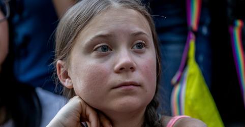 Placeholder - loading - Imagem da notícia Eduardo Bolsonaro usa foto manipulada de Greta Thunberg para criticar ativista