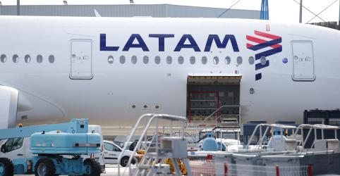 Placeholder - loading - Imagem da notícia Delta vai comprar 20% da Latam por US$1,9 bilhão, venderá participação na Gol