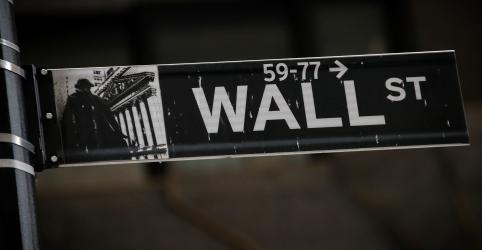 Trump considera deslistar empresas chinesas de bolsas dos EUA, dizem fontes