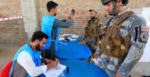 Placeholder - loading - Eleição presidencial afegã ocorre em relativa calma, mas com baixa participação