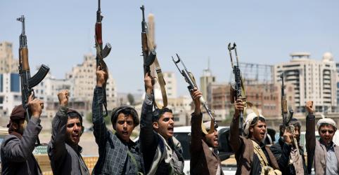 Houthis dizem que atacaram fronteira com a Arábia Saudita, que ainda não confirma investida