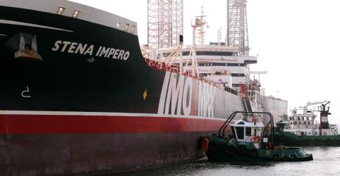 Placeholder - loading - Imagem da notícia Navio petroleiro britânico ancora em Dubai após ser detido pelo Irã