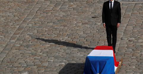 Placeholder - loading - Imagem da notícia França se despede de ex-presidente Jacques Chirac