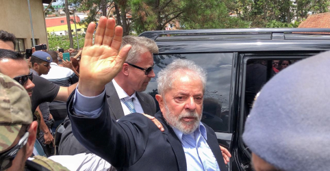Placeholder - loading - Imagem da notícia Lula rejeita progressão de pena e diz que não aceita barganha por liberdade