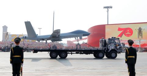 Placeholder - loading - Imagem da notícia China exibe poderio militar em comemoração dos 70 anos de regime comunista