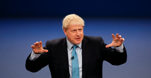 Placeholder - loading - Imagem da notícia Premiê britânico Johnson pede que UE cede a nova proposta do Brexit