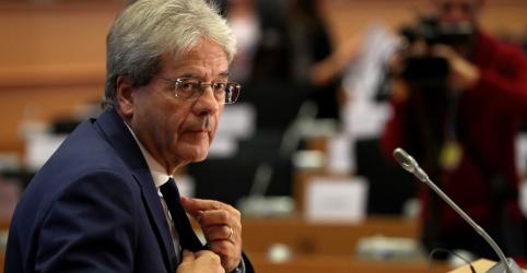 Placeholder - loading - Imagem da notícia Em golpe para os EUA, UE promete ação rápida sobre impostos para empresas poluidoras