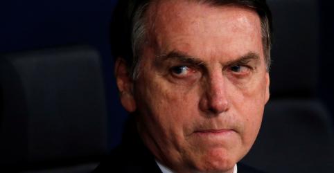 Placeholder - loading - Imagem da notícia Bolsonaro diz que auto de resistência é sinal de que policial trabalha