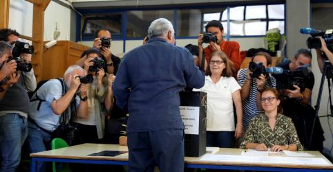 Placeholder - loading - Imagem da notícia Portugueses vão às urnas e Partido Socialista, do primeiro-ministro, é favorito