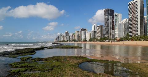Placeholder - loading - Às vésperas de leilões, petróleo em praias mostra despreparo do país, diz Greenpeace