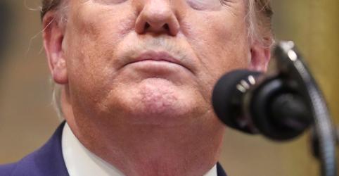 Placeholder - loading - Trump diz que há 'chance muito boa' de um acordo comercial EUA-China