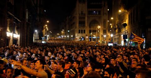 Placeholder - loading - Espanha prende líderes separatistas catalães e manifestantes vão às ruas