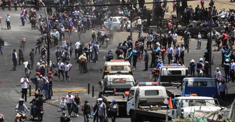 Presidente do Equador assina decreto para reverter aumento de combustíveis