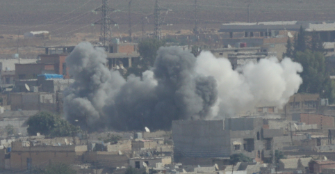 Placeholder - loading - Imagem da notícia Sanções de Trump não detêm ataque turco na Síria; aliados da Rússia avançam