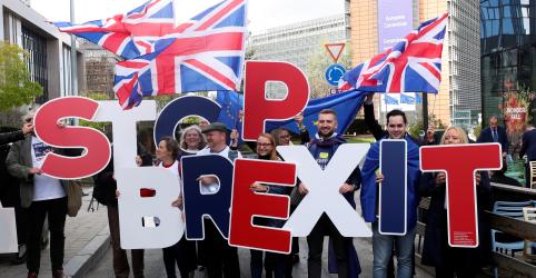 Reino Unido fecha acordo do Brexit e Johnson agora enfrenta desafio no Parlamento