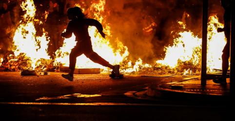 Placeholder - loading - Barcelona tem incêndios nas ruas no quarto dia de protestos