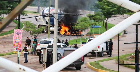 Placeholder - loading - Cartel aterroriza cidade do México e liberta filho de El Chapo