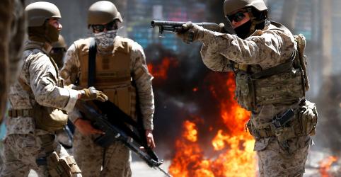 Placeholder - loading - Imagem da notícia Protestos no Chile deixam 11 mortos; Piñera diz que país enfrenta inimigo poderoso