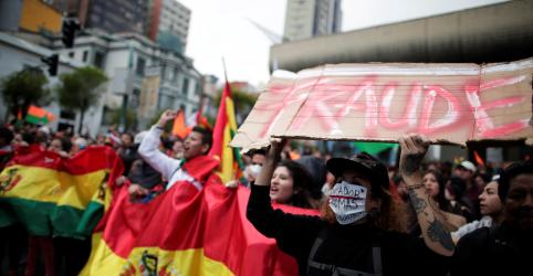 Placeholder - loading - Imagem da notícia Candidato de oposição acusa governo de fraude em eleições na Bolívia; protestos tomam as ruas