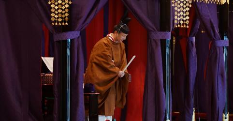 Novo imperador japonês é entronizado em cerimônia tradicional