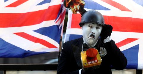 Placeholder - loading - Imagem da notícia UE estuda adiamento do Brexit; Reino Unido diz que acordo de Johnson é definitivo