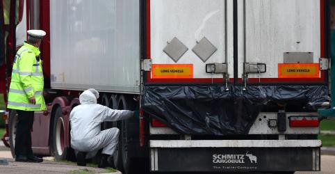 Placeholder - loading - Imagem da notícia Vítimas encontradas mortas em caminhão no Reino Unido eram chinesas, diz polícia