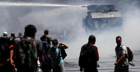 Placeholder - loading - Piñera troca ministros e tenta conter onda de protestos no Chile