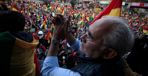 Placeholder - loading - Imagem da notícia Candidato de oposição Mesa é convidado a participar de auditoria eleitoral, diz vice da Bolívia