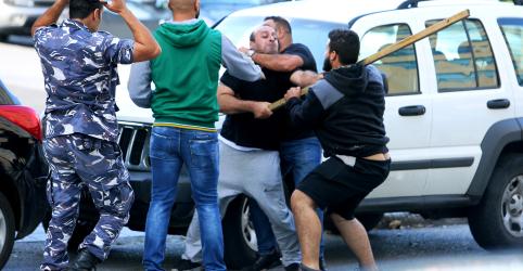 Placeholder - loading - Imagem da notícia Premiê do Líbano renuncia após protestos em massa